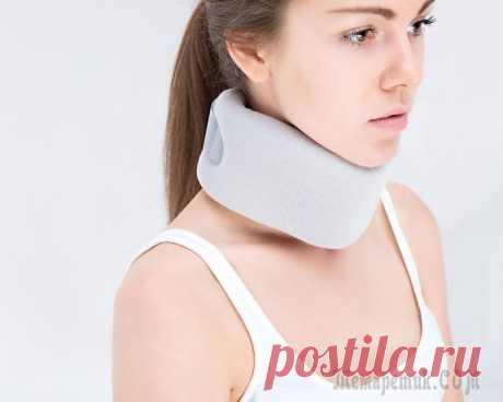Боли в области шеи. Почему болит шея справа, слева Если болит шея, необходимо серьезно задуматься о причине болей. О них и способах лечения цервикалгии — в статье. С цервикалгией, а именно так называют боль в шее, хотя бы однажды сталкивался каждый че...