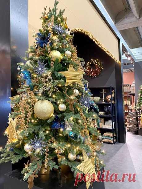 Как украсить елку в 2021 - : дизайнерские новогодние елки и композиции, елочные игрушки и украшения в фоторепортаже Eli.ru