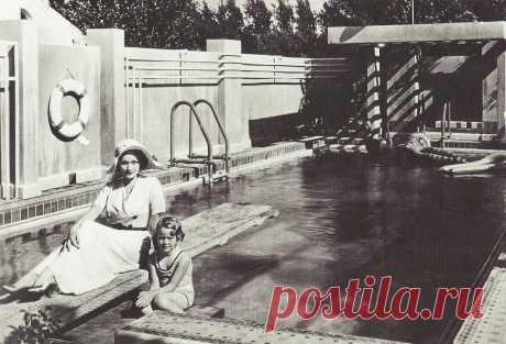 1930. Марлен Дитрих с дочерью Марией, Голливуд