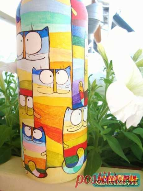Роспись бутылки акриловыми красками «Коты»