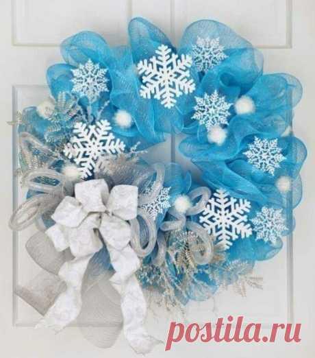 Новогодний венок из снежинок