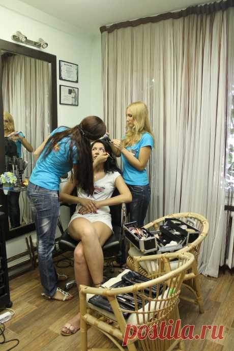 Парикмахерские услуги, макияж. Тел. 306530 г. пенза,ул. Пушкина 21