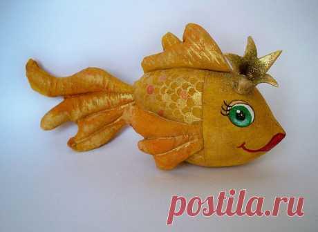 Золотая рыбка в подарок на 8 марта