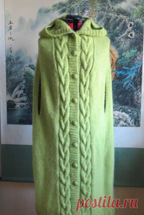"""Вязаное спицами теплое длинное пончо на пуговицах «Зеленый листок» с капюшоном и прорезями для рук.: продажа, цена в Киеве. свитеры и кардиганы женские от """"Интернет-магазин """"Умница"""""""" - 85547735 Вязаное спицами теплое длинное пончо на пуговицах «Зеленый листок» с капюшоном и прорезями для рук.. Подробная информация о товаре/услуге и поставщике. Цена и условия поставки"""
