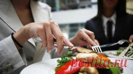 Правила этикета за столом: как пользоваться столовыми приборами (48 фото) Как правильно класть вилку и нож после еды, как держать фужер