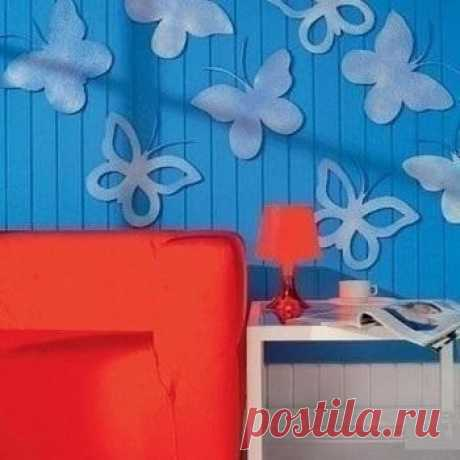 Dressing of a wall: we do butterflies of a thin ceiling tile