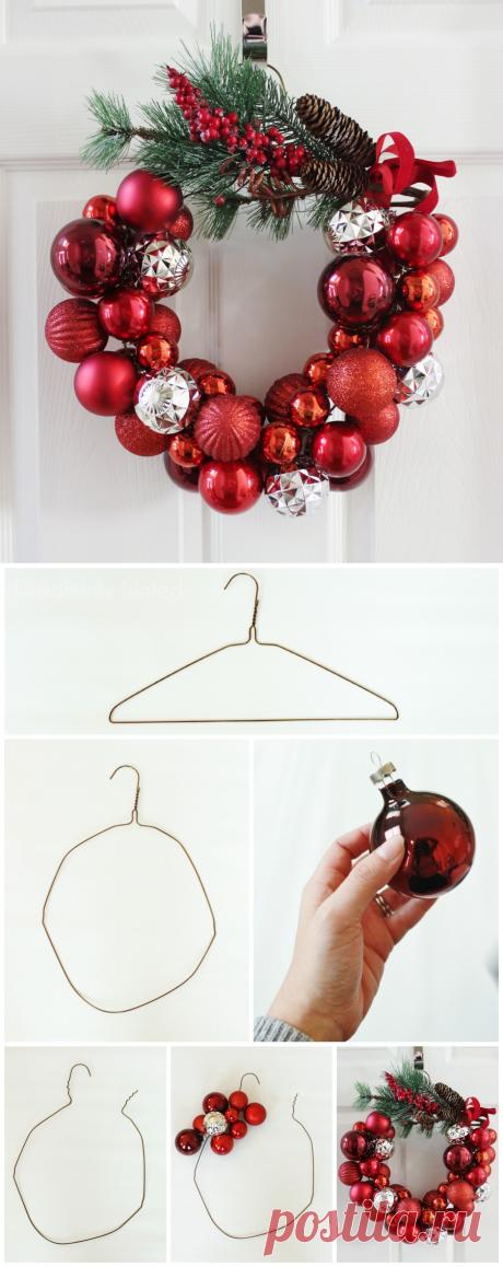 Как сделать рождественский венок из вешалки