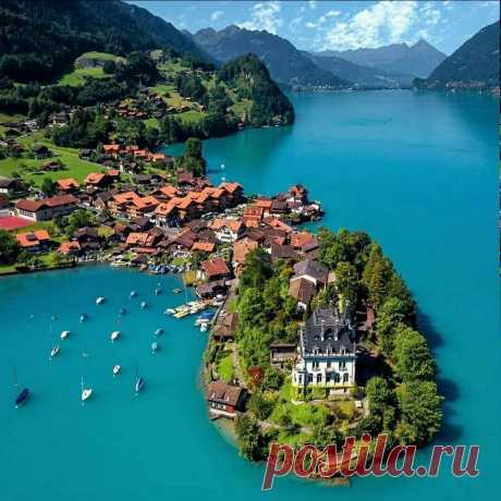 На озере Бриенц, Швейцария