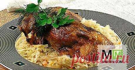 Утка с квашеной капустой - кулинарный рецепт. Миллион Меню