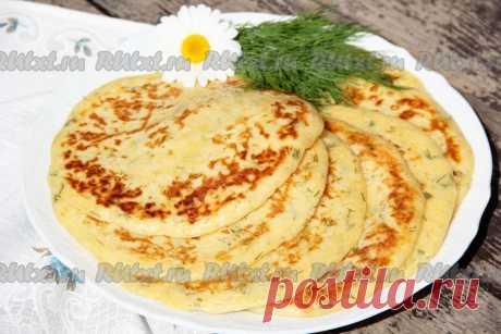 Лепешки с сыром и зеленью - 11 пошаговых фото в рецепте