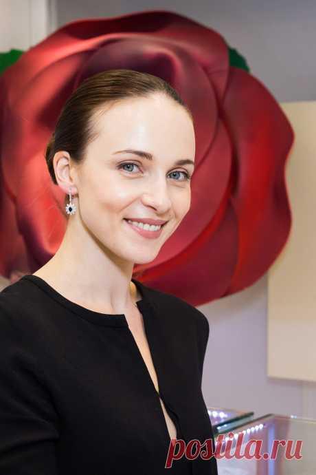 Что случилось с лицом Анны Снаткиной?