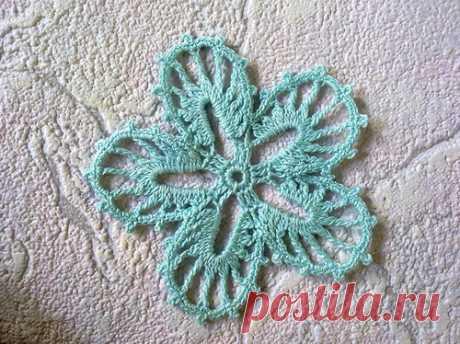 Мотив ирландского кружева цветок «Незабудка» .