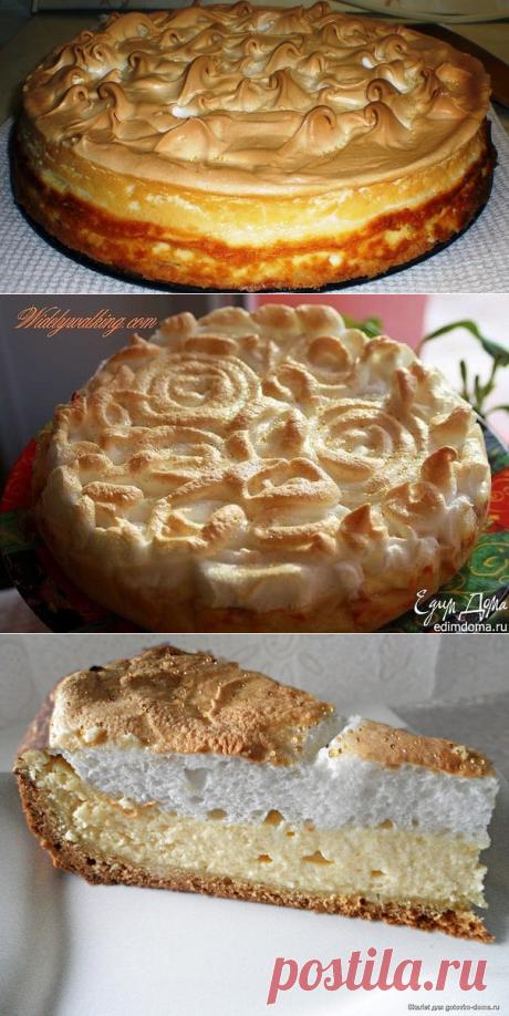 El pastel con el requesón y el merengue