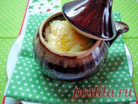 Картофельная запеканка в горшочках.