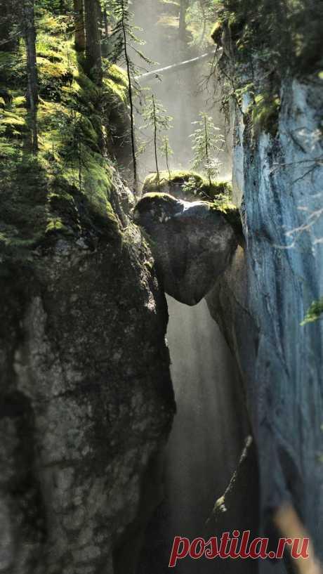 Каньон Малинь в Джаспере, Канада - 9GAG
