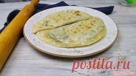 Кутабы с зеленью Сегодня готовим очень вкусное и простое в приготовление блюдо кутабы. Начинка может быть любая, например к зелени можно добавить сыр или начинку можно сделать из тыквы, или картошки.
