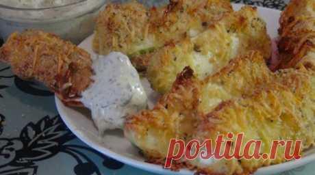 Вкусные, хрустящие, изумительные кабачки в сырной панировке обязательно понравятся вам и вашей семье.