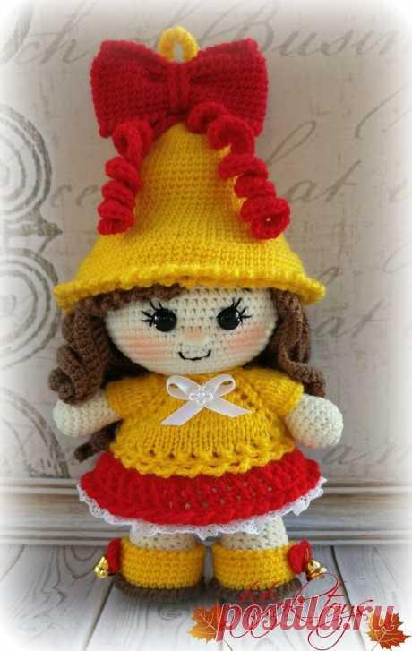 PDF Мастер-класс по вязанию куклы крючком Колокольчик школьный #схемыамигуруми #амигуруми #вязаныеигрушки #вязанаякукла #amigurumipattern #crochetdoll #amigurumidoll