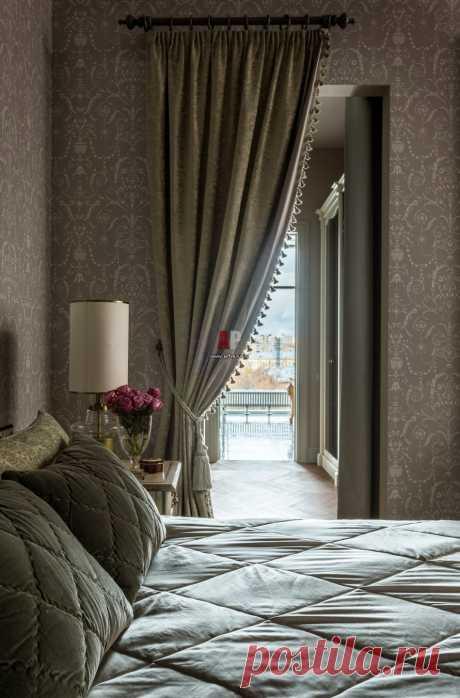 Фото интерьера спальни квартиры в классическом стиле