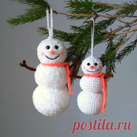 1000 схем амигуруми на русском: Елочная игрушка снеговик