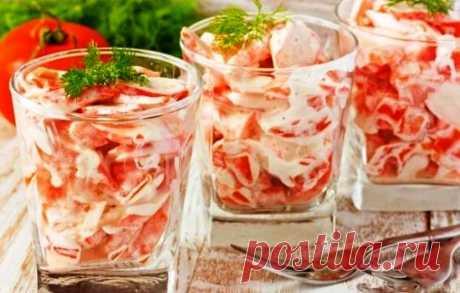 Рецепты салатов с крабовыми палочками, помидорами и сыром, секреты