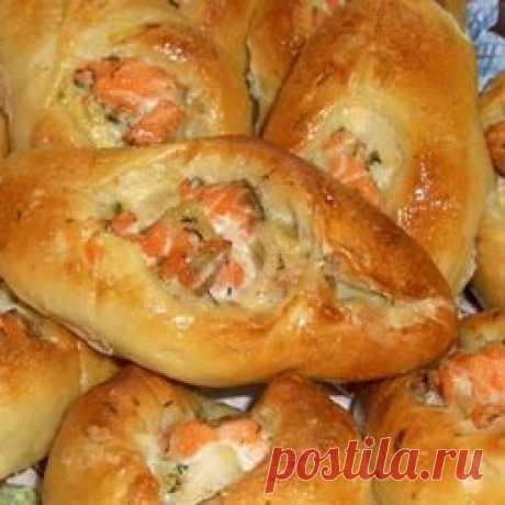 Воздушные и румяные… Расстегаи с семгой — Вкусные рецепты