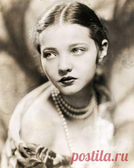 Сильвия Сидни, 8 августа, 1910  • 1 июля 1999