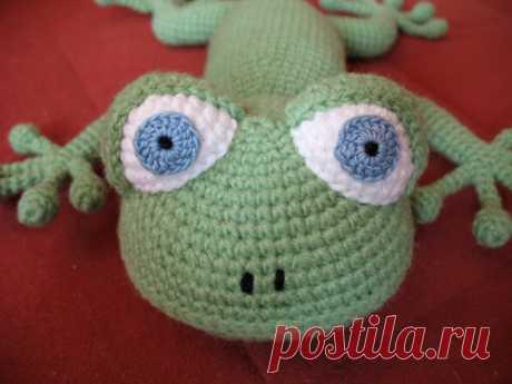 We knit a hook a small lizard