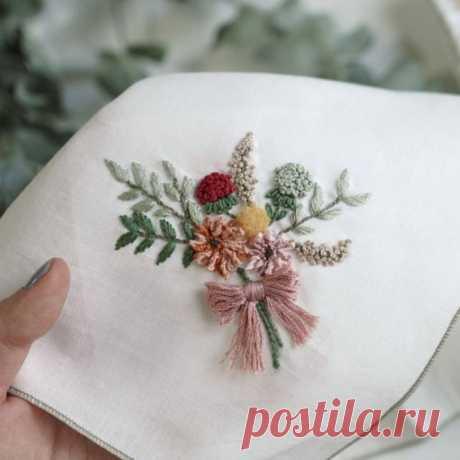 Как вышить элегантный цветочный букет