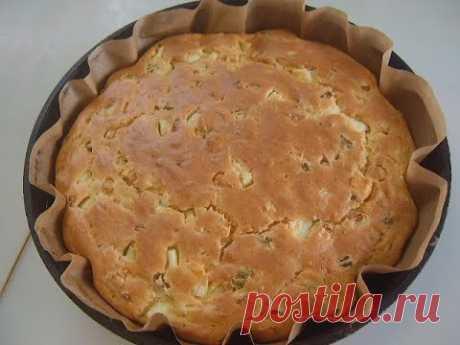 Пирог с яйцом и луком