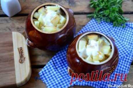 Охотничьи колбаски в горшочках с картошкой в духовке