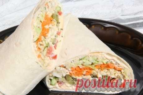 Шаурма с курицей и корейской морковью - рецепт с фото