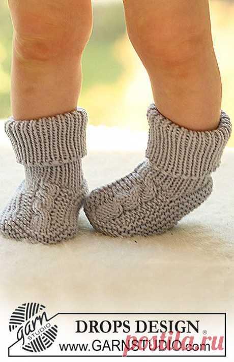 Вязаные спицами детские носочки из DROPS 17 - 11