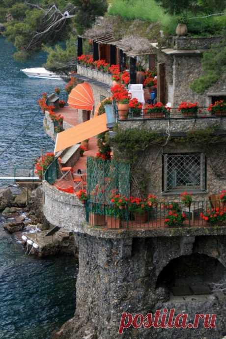 Портофино – привилегированный курорт на итальянском побережье Лигурии, Италия