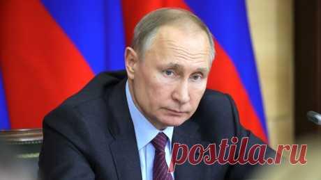 Путин объявил следующую неделю нерабочей из-за коронавируса Президент РФ Владимир Путин объявил неделю с 28 марта по 5 апреля нерабочей из-за коронавируса.