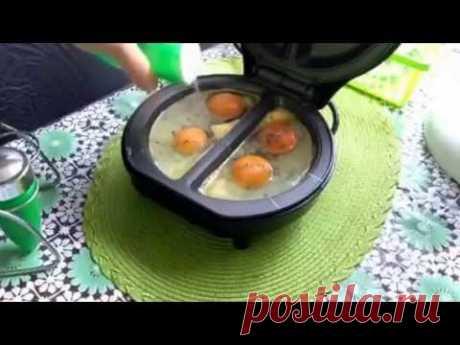 Fried eggs in an omletnitsa