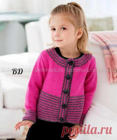 Кардиган для девочки спицами в цветную полоску