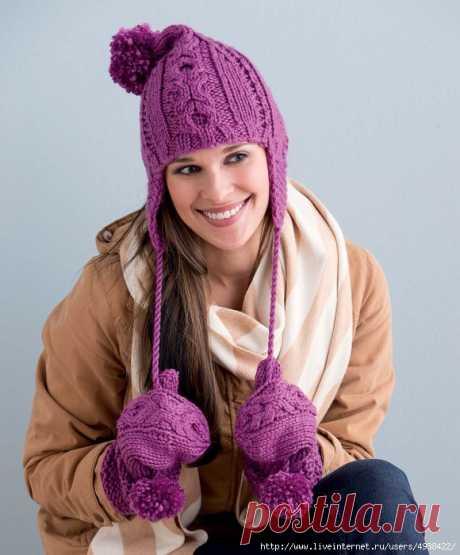 Красивая женская шапка-ушанка в молодежном стиле спицами. Hugs & Kisses Cabled Hat Set by Robin Melanson.