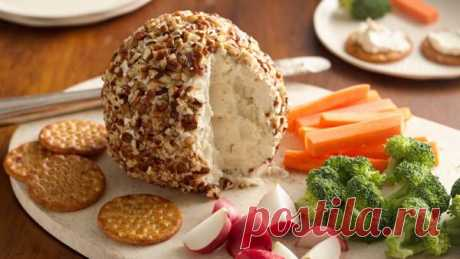 👌 Красивая закуска к новогоднему столу из сыра и орехов, рецепты с фото Эта закуска позволит вам не только сытно, но ещё и вкусно накормить гостей в праздничные дни. Делается она довольно просто, да и продукты нужны достаточно простые. Вам понравится!...
