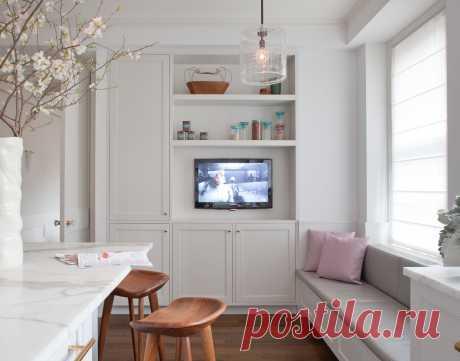 Как выбрать телевизор на кухню и где его разместить: высота установки, розетки, куда повесить или поставить | Houzz Россия