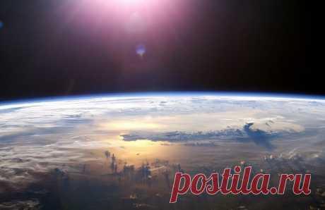 Атмосфера Земли насыщена кислородом в достаточном количестве только потому, что планета замедлила свое вращение 2,4 миллиарда лет назад   Новости науки и техники – Читать последние новости о технологиях, ученых, мире науки в издании «Вестник»