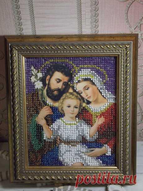 """""""Святое семейство"""" It is embroidered with beads)"""