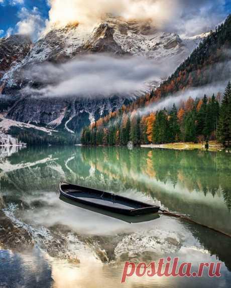 Браес — озеро в Доломитовых Альпах, Италия