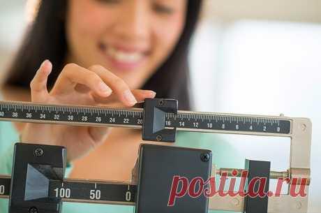 Как следить за своим весом Многие привыкли считать, что набор лишнего веса — неотделимая часть старения и после какого-то возраста нет смысла следить за фигурой. Это не так. Сбрасывать лишнее с годами действительно становится сложнее, но не набирать килограммы — можно и даже нужно! Вот простые способы, как за этим следить. Исследования показали, что избыточный вес способствует развитию некоторых видов […] Читай дальше на сайте. Жми подробнее ➡