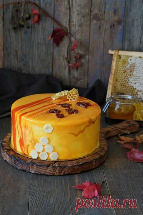 Современный муссовый торт Медовик