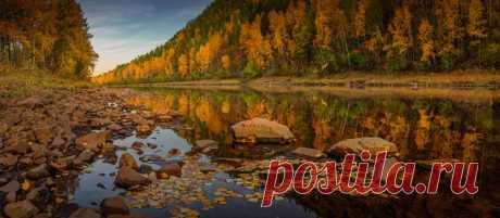 «Осеннее зазеркалье». Река Геткан, Амурская область. Автор фото — Дмитрий Демидчик: