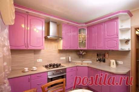 Розовый цвет в дизайне кухни