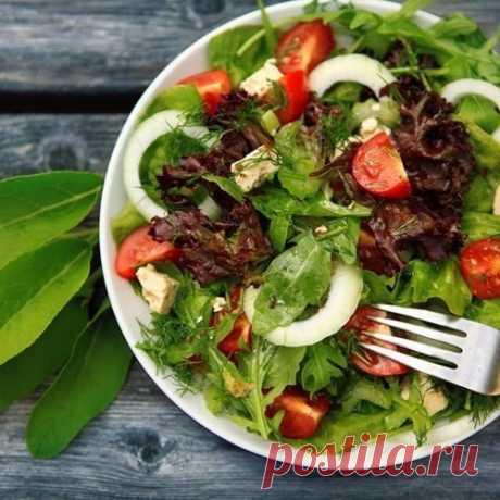 6 диетических салатов, которые нужно попробовать!   Сохрани себе пригодится!  1. Запеченный баклажан + помидор + лук + болгарский перец + чеснок + зелень + яблочный уксус Показать полностью…