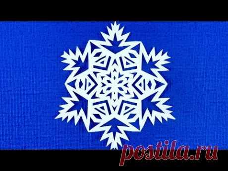 Снежинка на Рождество! Как просто и красиво вырезать снежинку из бумаги. Простая снежинка.