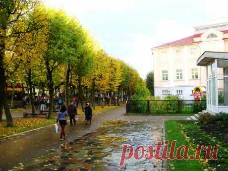 Улица Октябрьской революции в Смоленске. Осенний вечер.    ----    Autumn Street In Smolensk  Free Stock Photo HD - Public Domain Pictures